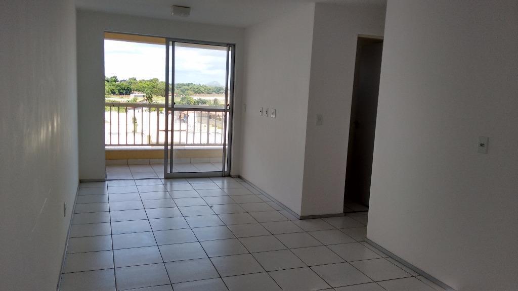 Apartamento residencial para locação, Messejana, Fortaleza - AP2698.