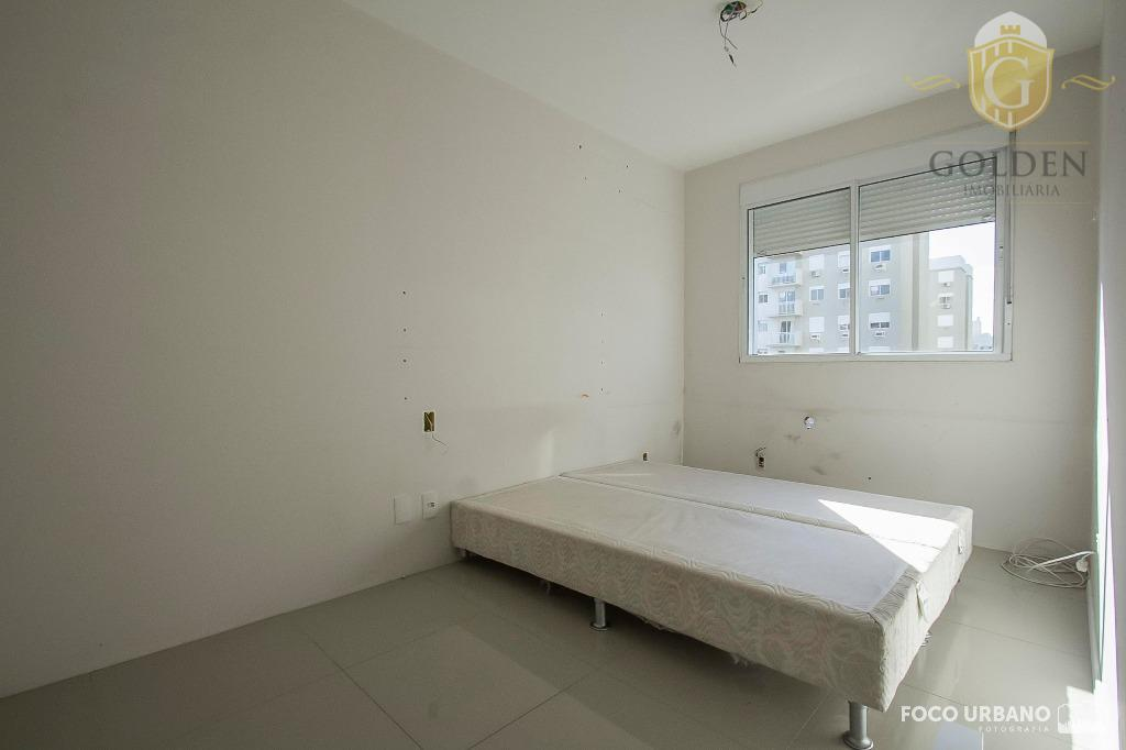 apartamento com 3 dormitórios, sendo 1 suíte, living em porcelanato comsacada. móveis fixos na cozinha e...