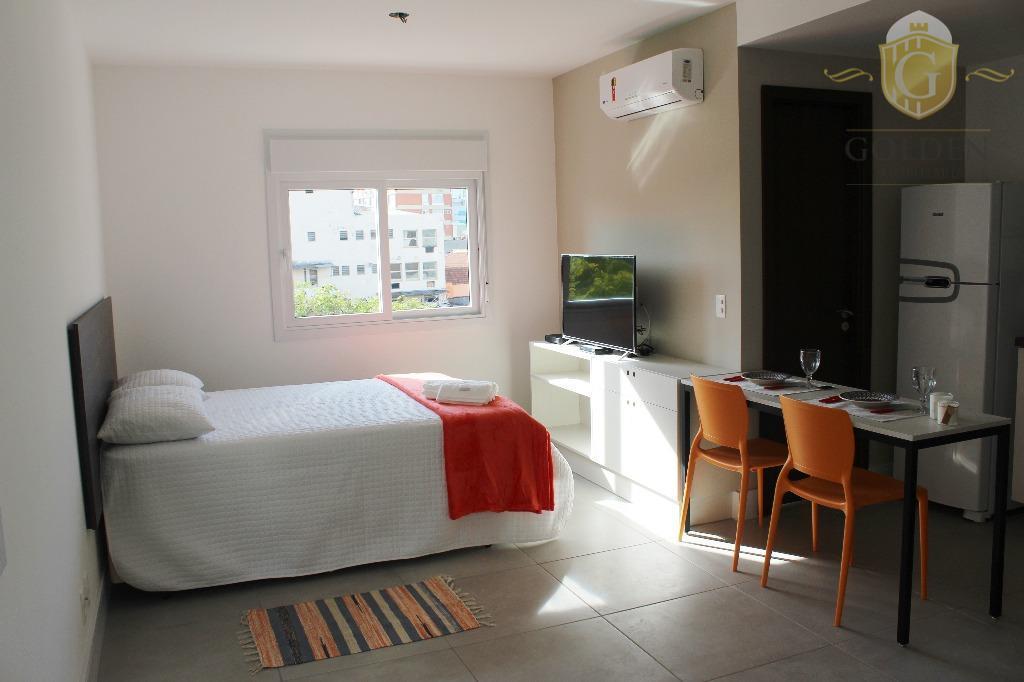 Apartamento, Mobiliado, Novo. Internet, TV a Cabo, Com vaga e
