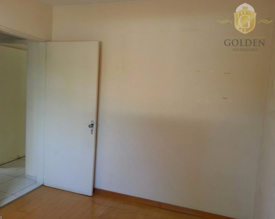 vende excelente apartamento com 02 dormitórios, cozinha e área de serviço integrada, banheiro social com box...