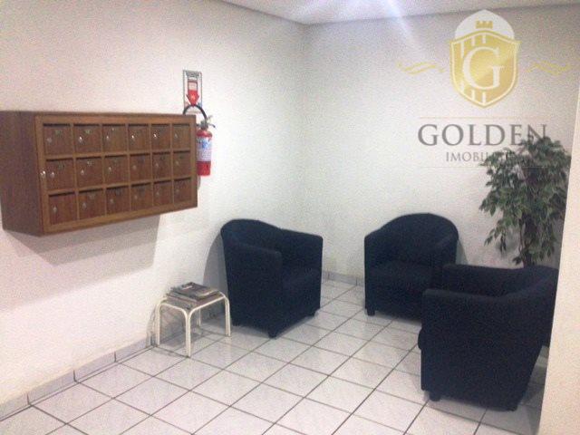 vende excelente sala de frente com 02 banheiros, sala de espera e sala principal com área...