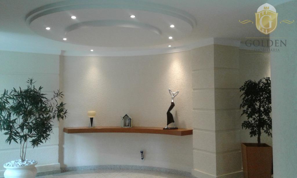 vende apartamento com 03 dormitórios, 01 suite, living amplo com lareira e ar condicionado, cozinha com...
