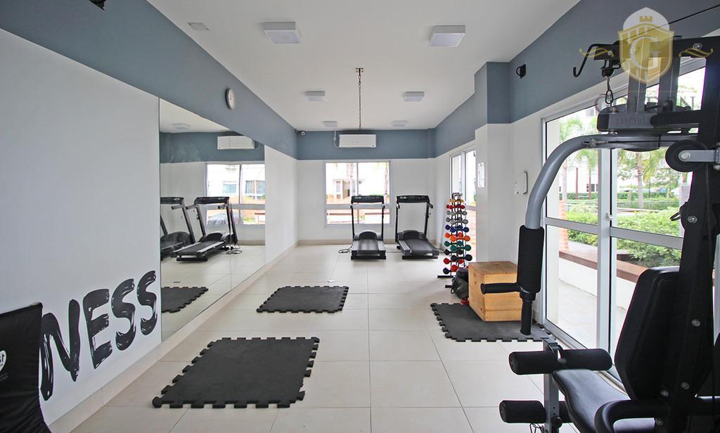 vende excelente apartamento com 02 dormitórios, 01 suite, finamente decorado e mobiliado, 01 vaga para carro.condomínio...