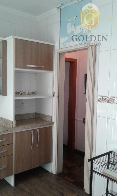 aluga / vende apartamento com 03 dormitórios, sala.cozinha. dep. de empregada, área de serviço, 01 dormitório...