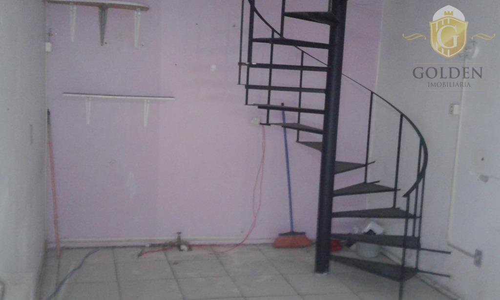 aluguel promocional de apenas r$ 250,00 + condomínio e iptu nos primeiros seis meses.após os seis...