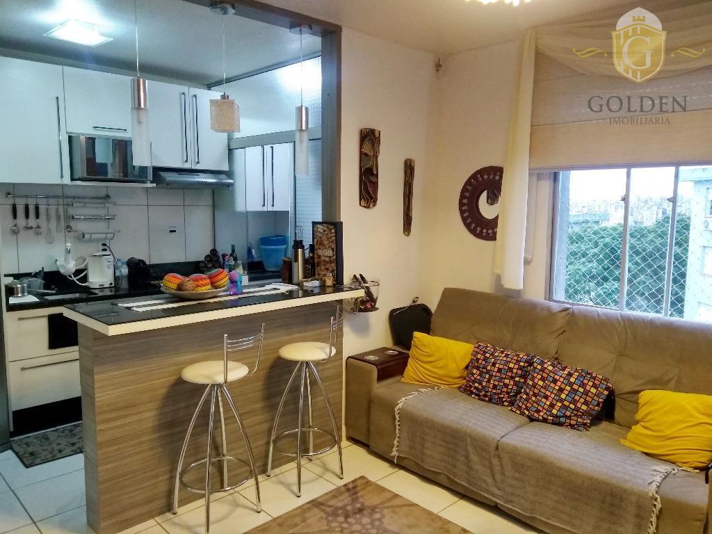Apartamento de 2 dormitórios com vaga de garagem no bairro Azenha