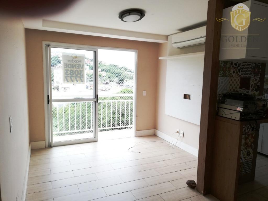 Apartamento com 3 dormitórios e vaga de garagem no bairro Cristal