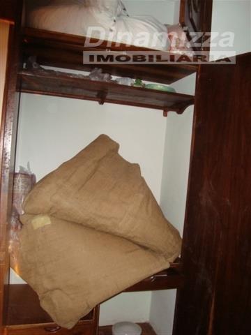 apartamento em localização central, próximo ao jornal da manhã, composto de 03 (três) quartos sendo 01...