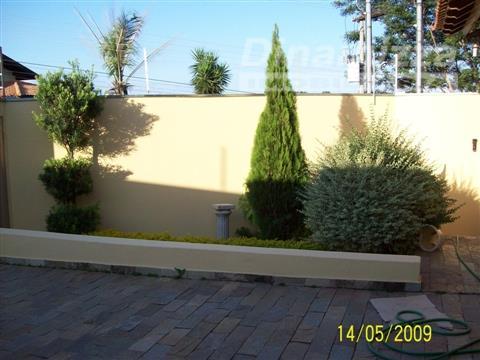 ótima casa 100% plana em região valorizada do jardim são bento.casa com 03 suítes, armários completos,...