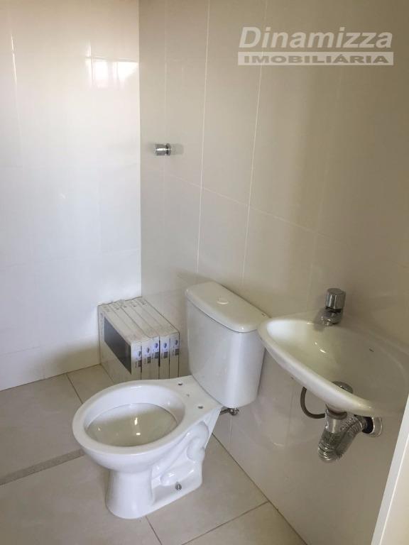 excelente apartamento contendo 03 suítes, sendo 01 master com closet, armários completos, hall íntimo com rouparia,...