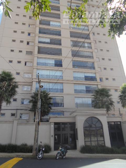 excelente apartamento em localização privilegiada, com acabamento diferenciado em alto padrão (porcelanato, box em blindex,, ar-condicionado...