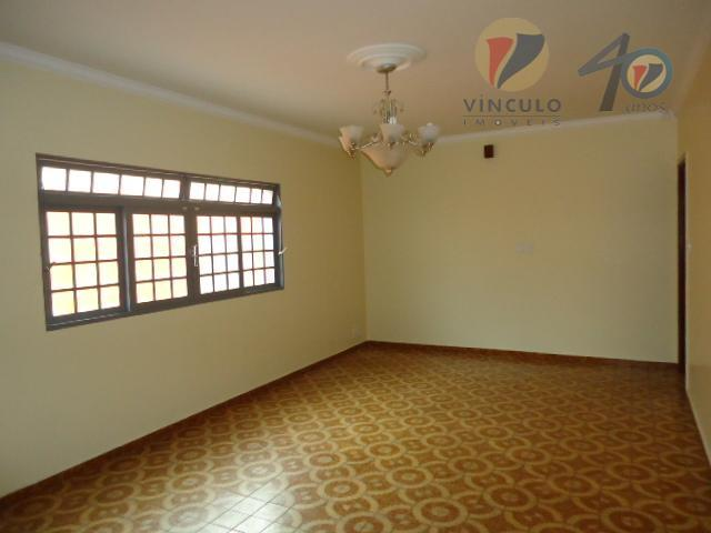 casa em localização privilegiada com amplo terreno de 540m²(12x45), com 04 quartos sendo 01 suíte com...