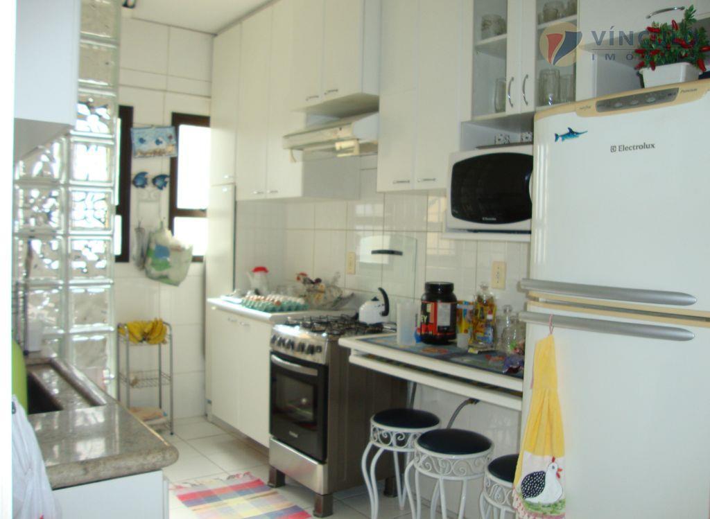 Apartamento residencial à venda, São Benedito, Uberaba - AP0211.