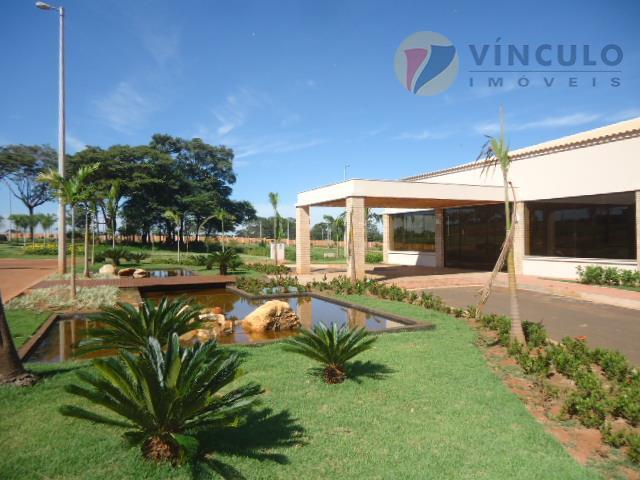 terreno em condomínio fechado alto padrão, bem localizado, plano, medindo 300 m²(12x25).