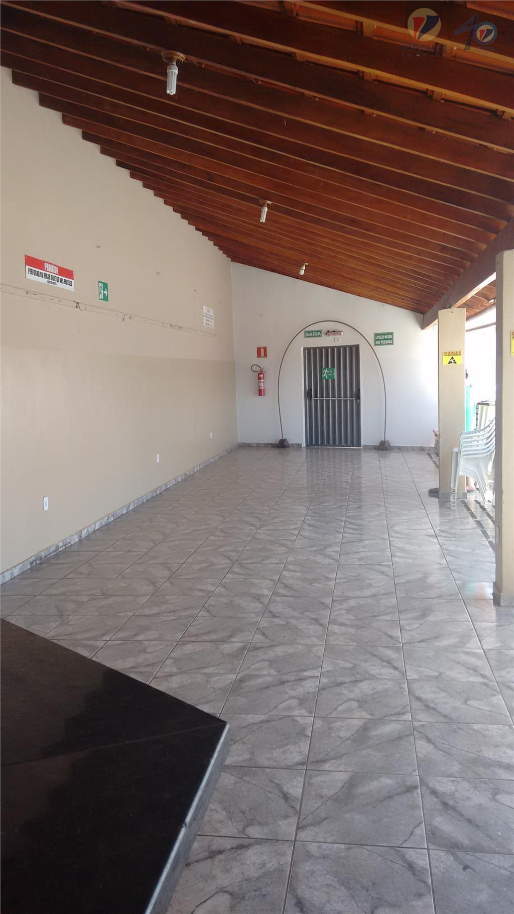 casa comercial, composta de 02 suítes, wc social, varanda ampla com churrasqueira, 02 banheiros externos e...