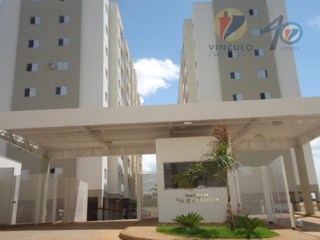 Apartamento residencial à venda, São Benedito, Uberaba - AP0480.