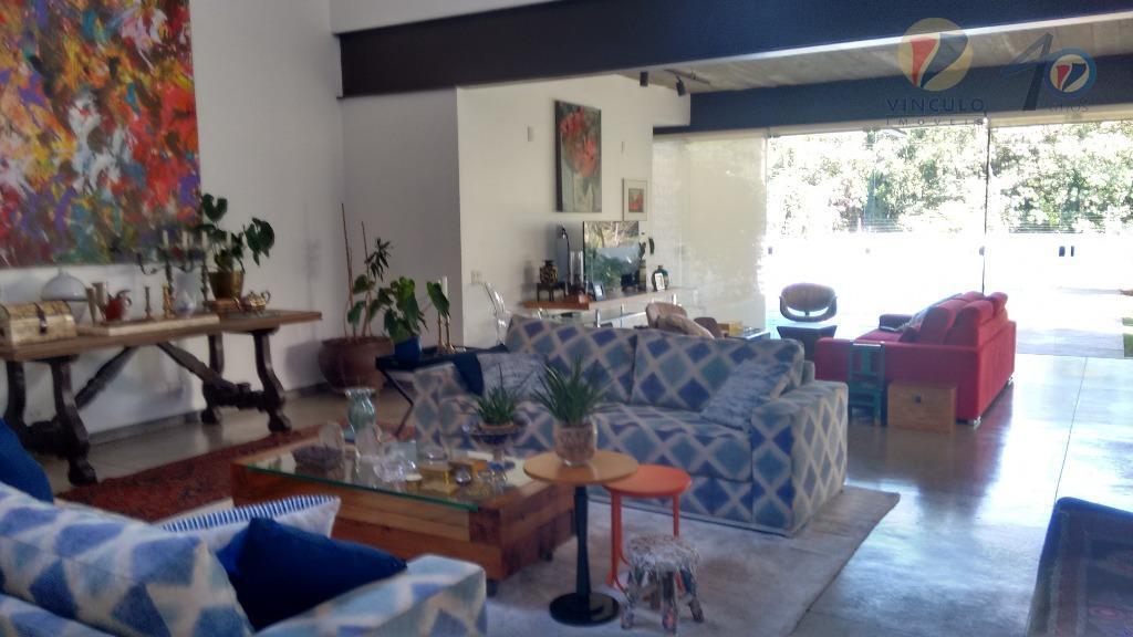 """excelente casa em condomínio fechado, projeto arquitetônico de """"paulo trajano"""", muito arejada, prática, bem distribuída e..."""