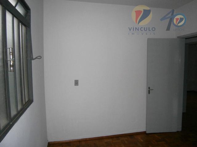 casa bem localizada com 03 quartos,sala, cozinha, banheiro, área de serviço, quintal, varanda com edícula e...