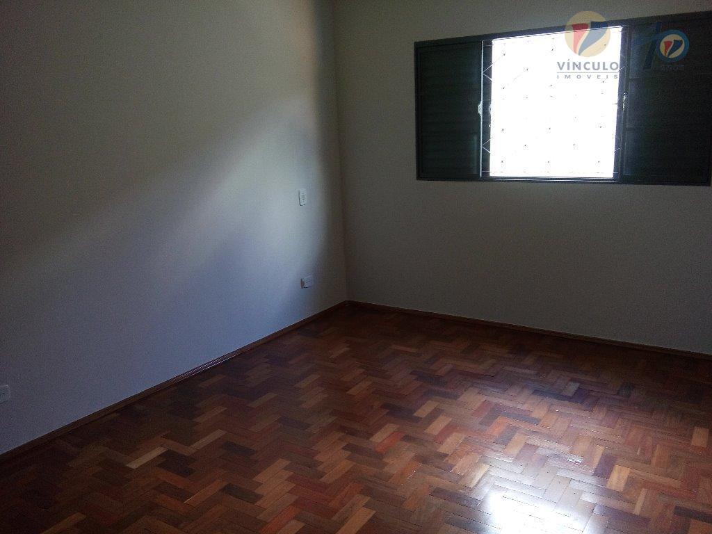 casa com ótimo terreno de 336 m², amplos cômodos e bem arejados, com 3 quartos, sendo...