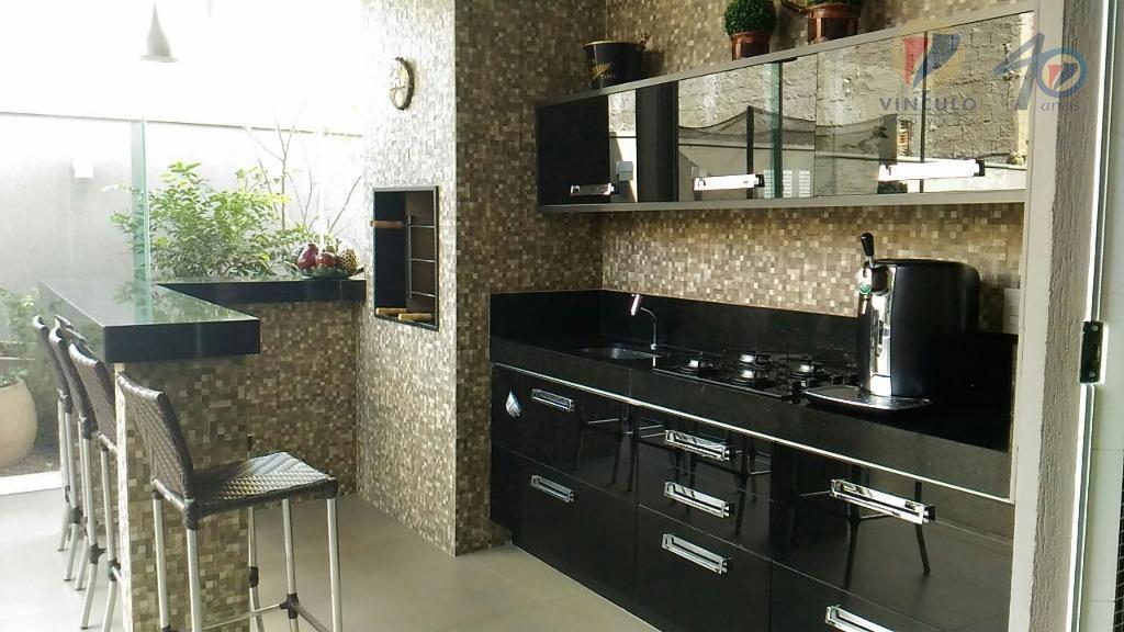 sobrado lindo e moderno em condomínio fechado alto padrão com de esquina, finíssimo padrão de acabamento...