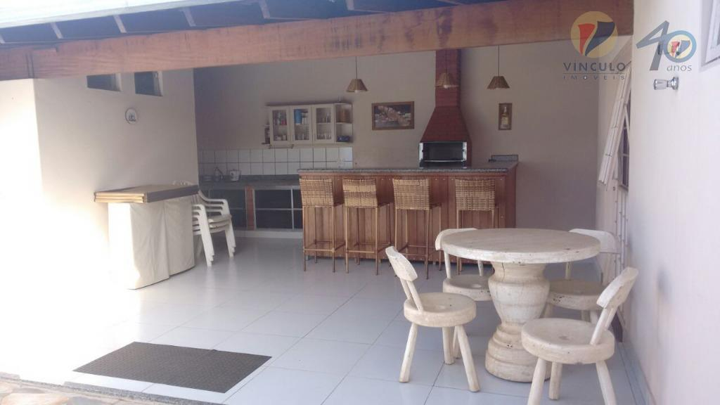 ótima residencia, localizada em condomínio fechado, portaria 24 horas, no jardim maracanã , próximo às industrias...
