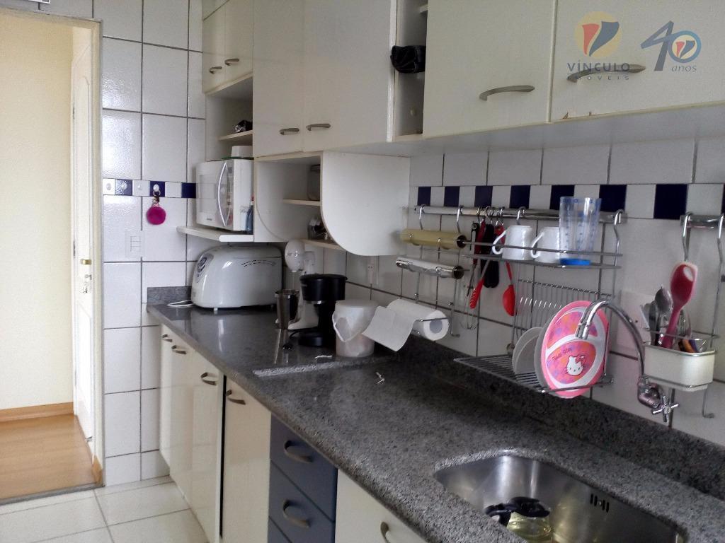 excelente apartamento com 82m2 , ótima localização (a 5 minutos do centro), sala 3 ambientes, cozinha...