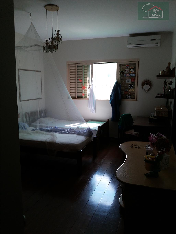 sala 03 ambientes, 03 quartos, sendo 03 suites, closet, banho social, cozinha, lavabo, lavanderia, quintal, depósito...