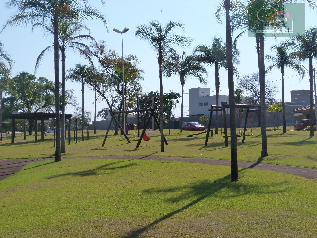 02 terrenos com área total de 396,00 m²com portaria 24 hrs