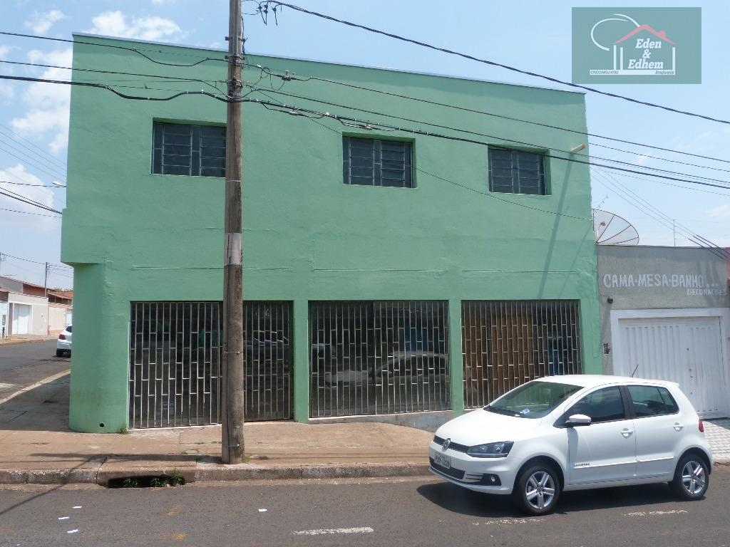 galpão com ampla área, ótima localização, com 215,68 m² de área construídaimóvel de esquinacom 02 banhos...