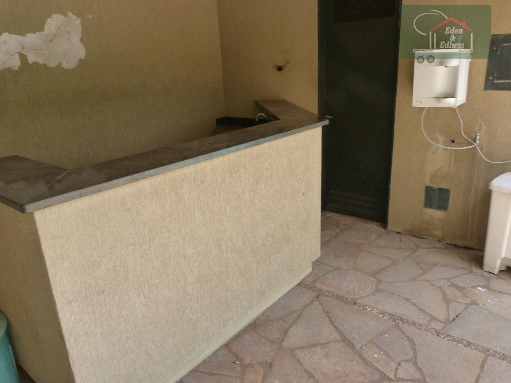 sala 05 ambientes (com armário), cozinha (com armário), 04 quartos sendo 03 suítes (com armários), lavanderia,...