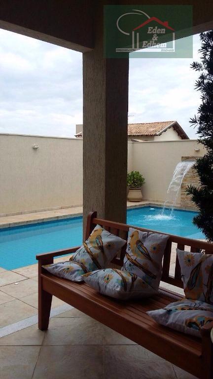 04 suítes, sala 03 ambientes, cozinha, varanda gourmet com churrasqueira, lavabo, 04 vagas sendo 02 cobertas,...