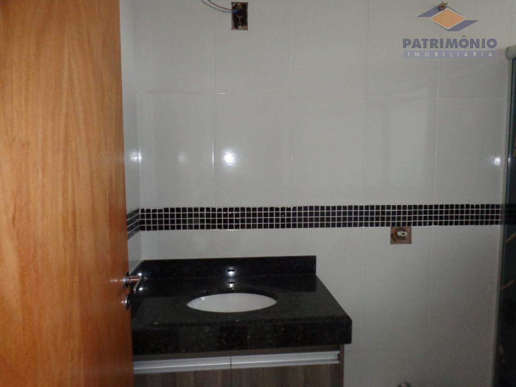 casa nova- 3 suítes,sala 2 ambientes,banho social,lavabo,cozinha, lavanderia,garagens(4),varanda gourmet,armários,blindex