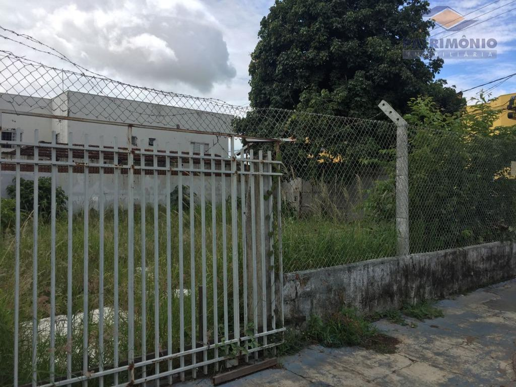 terreno de esquina em excelente localização - tem projeto aprovado de salas, com estacionamento na frente....