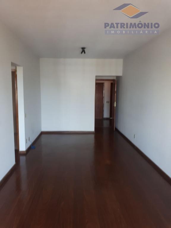 ótimo para investir e excelente localização - 1 qt. c/ armário, banh., sala c/ sacada, coz....