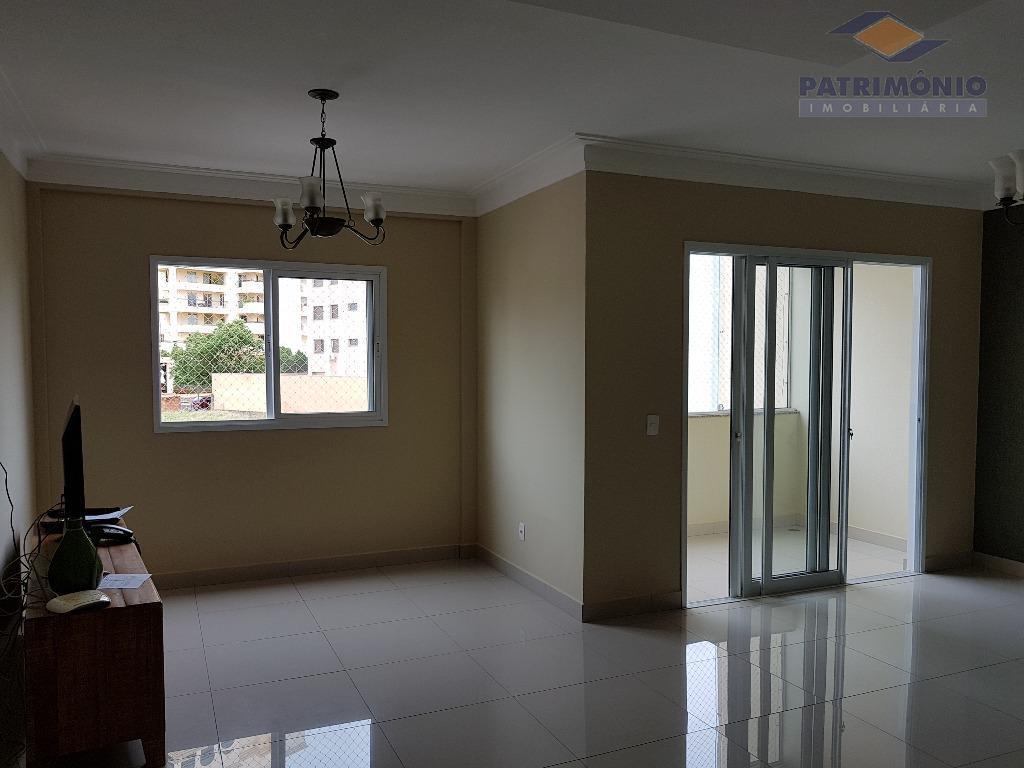 Apartamento com 4 dormitórios à venda, 210 m² por R$ 900.000 - Jardim Santa Inez - Uberaba/MG