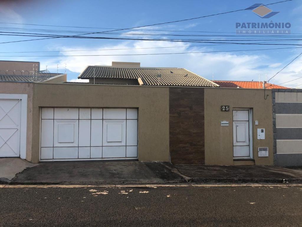 Casa com 3 dormitórios à venda, 200 m² por R$ 370.000 - Jardim Nenê Gomes - Uberaba/MG