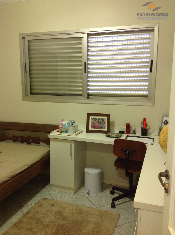 3 quartos/suite,sala de estar/jantar/tv,banheiro social,cozinha com armários,dce,garagens (2)