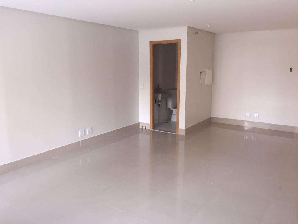 sala comercial pronta, com porcelanato e banheiro privativo, sendo uma vaga de garagem rotativa salas moduladas,...