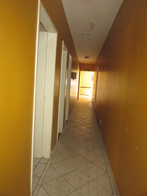 loja térrea e localização nobre: t-11, em frente à rosa mística. duas salas grandes; três escritórios;...