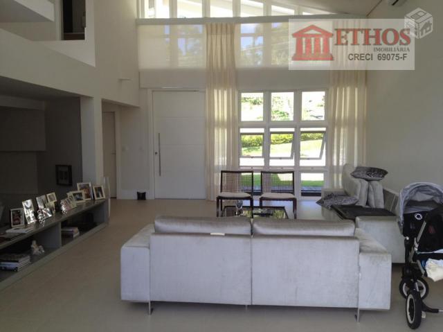 Casa 4 suites na Quinta das Flores reformada - venda ou troca