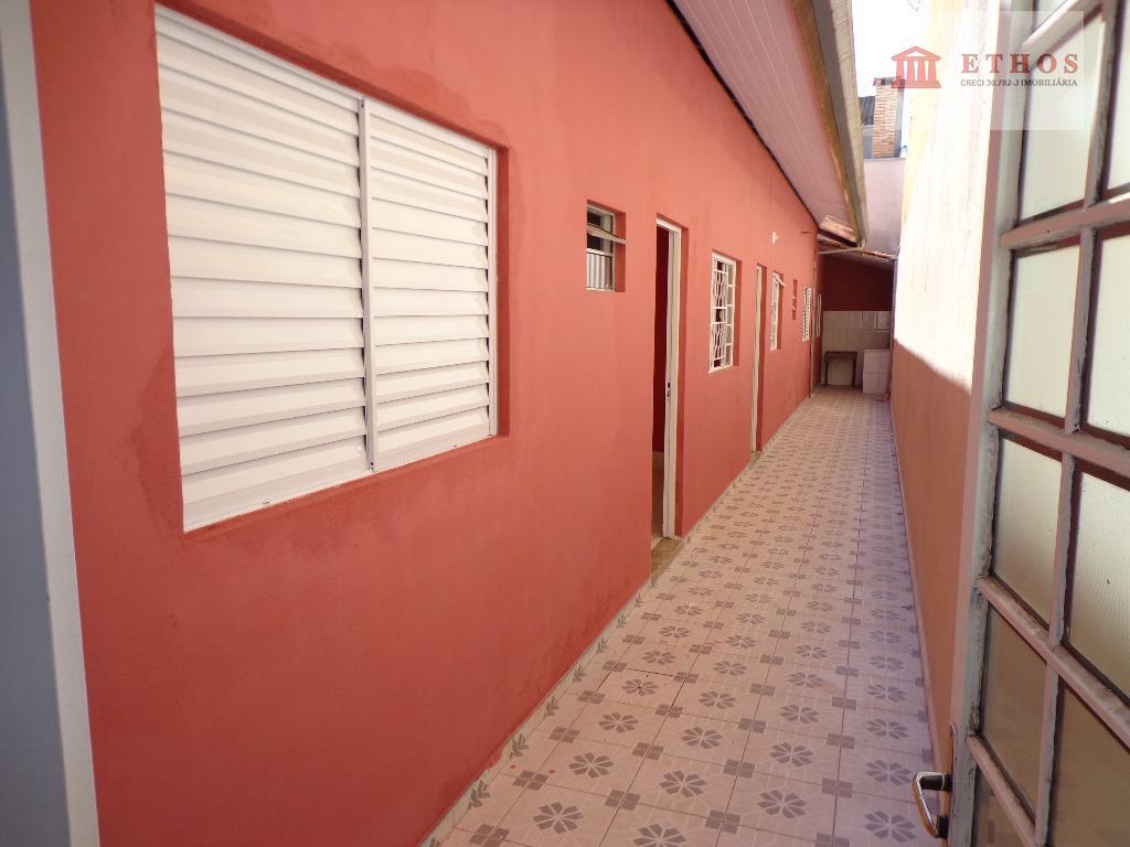 Casa 3 dormitorios, suite, Jd Cruzeiro do Sul, São José dos Campos.