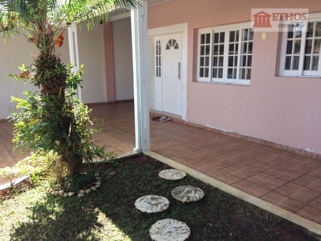Casa terreno inteiro 3 dormitorios, Jardim Satélite, São José dos Campos.