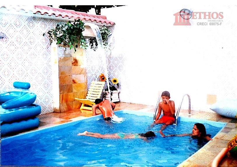 Casa 3 dormitorios, Lote inteiro Jardim Satélite, São Jose dos Campos