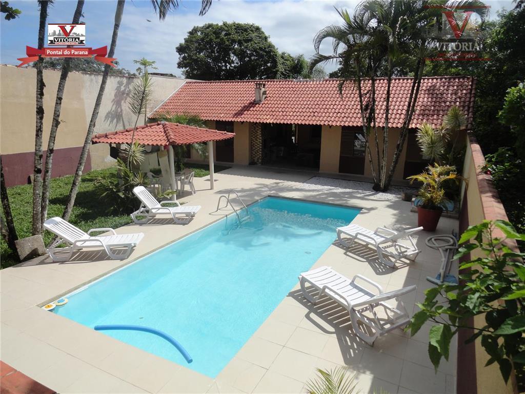 Belíssima casa com piscina 4Dorm. em Pontal do sul