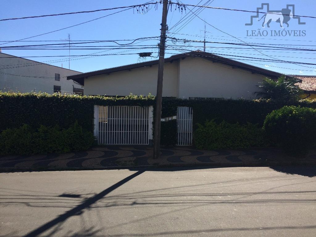 Casa assobradada no Jardim Nossa Auxiliadora, Bairro Taquaral - Campinas