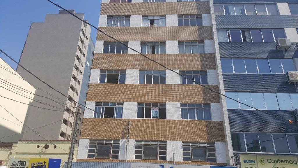 Kitnet residencial à venda, Centro, Curitiba.