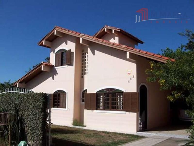 Linda casa com terreno 600m² passível de financiamento