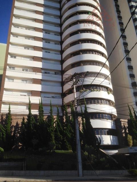 Excelente Apartamento à venda, Bigorrilho, Curitiba.