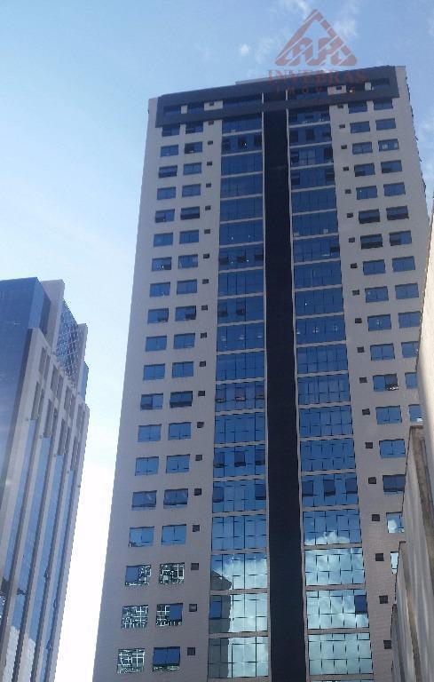Conjunto comercial para venda e locação, Centro, Curitiba.