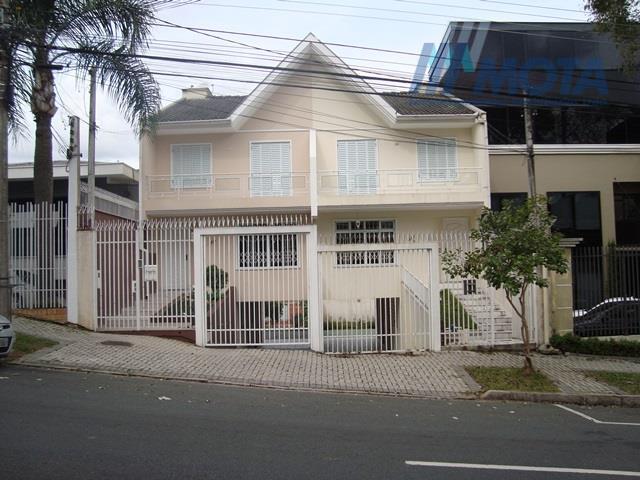 Sobrado vende ou troca - Mercês, Curitiba.